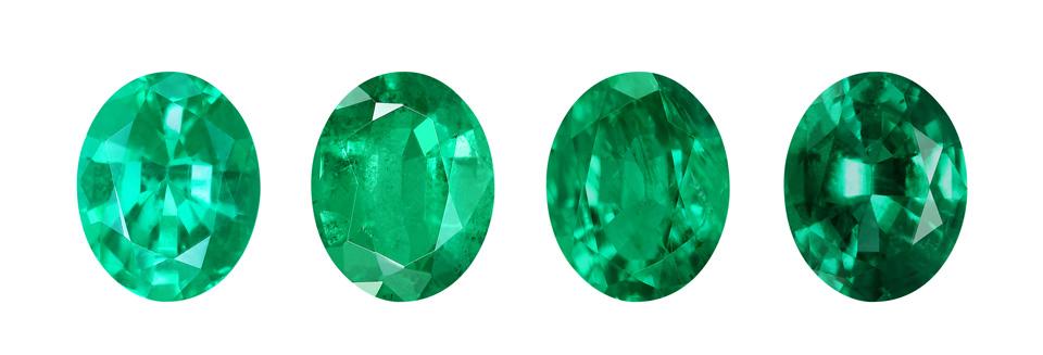 Diferentes clases de calidad en una Esmeralda de Rusia: a la derecha calidad AAA